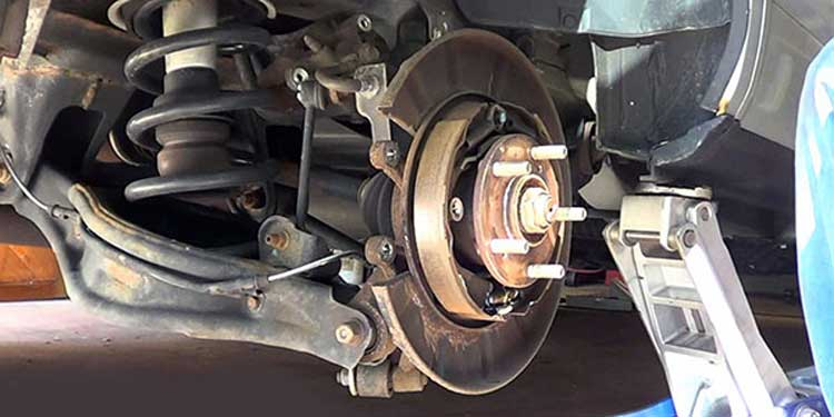 CMH Honda Pinetown - Checking Brakes