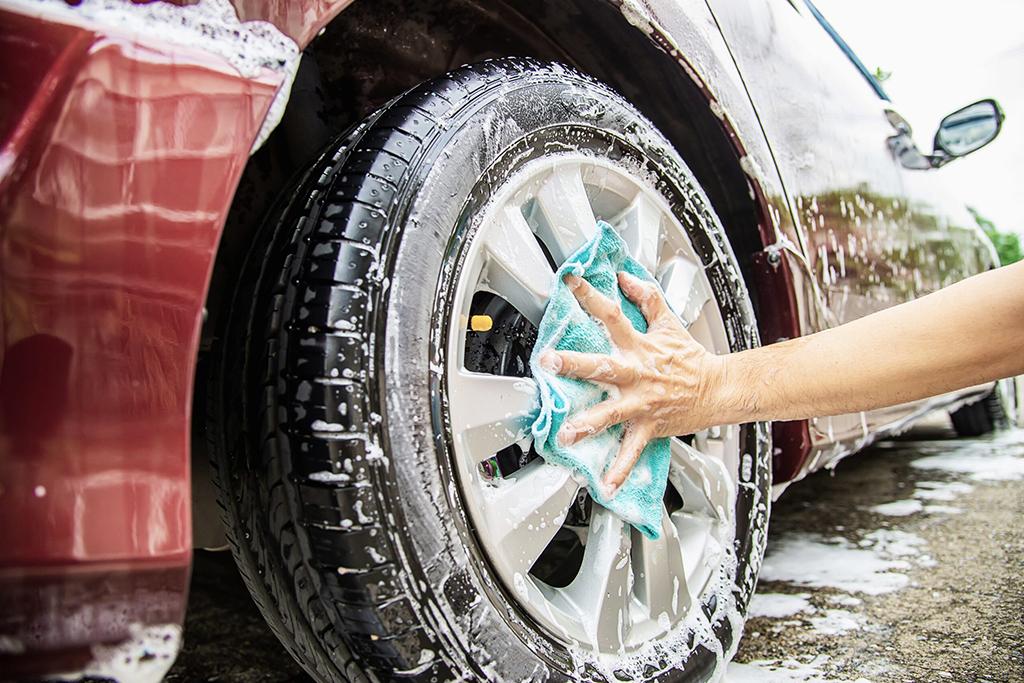 Washing tyres